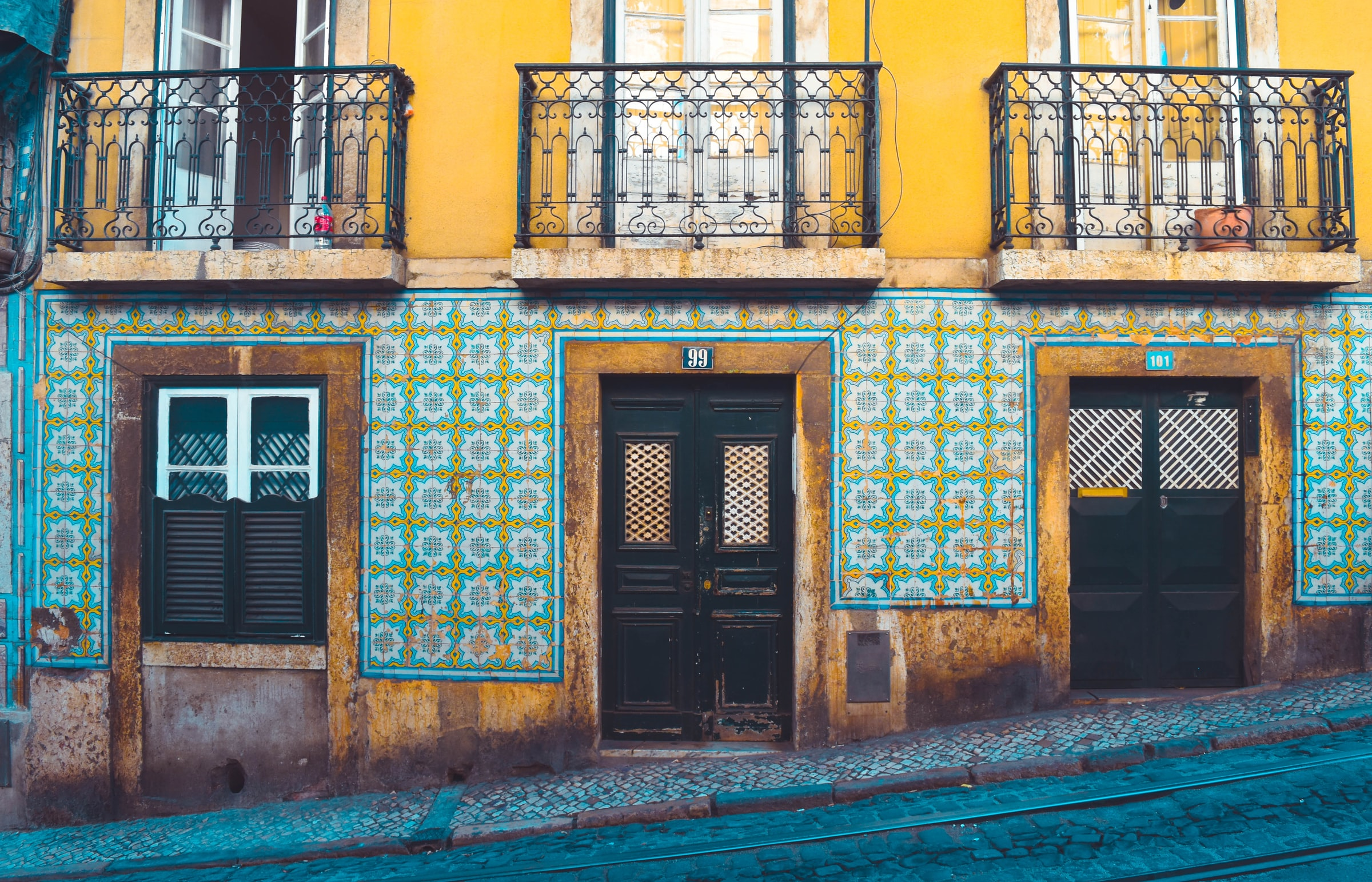 Lisbon tile buildings